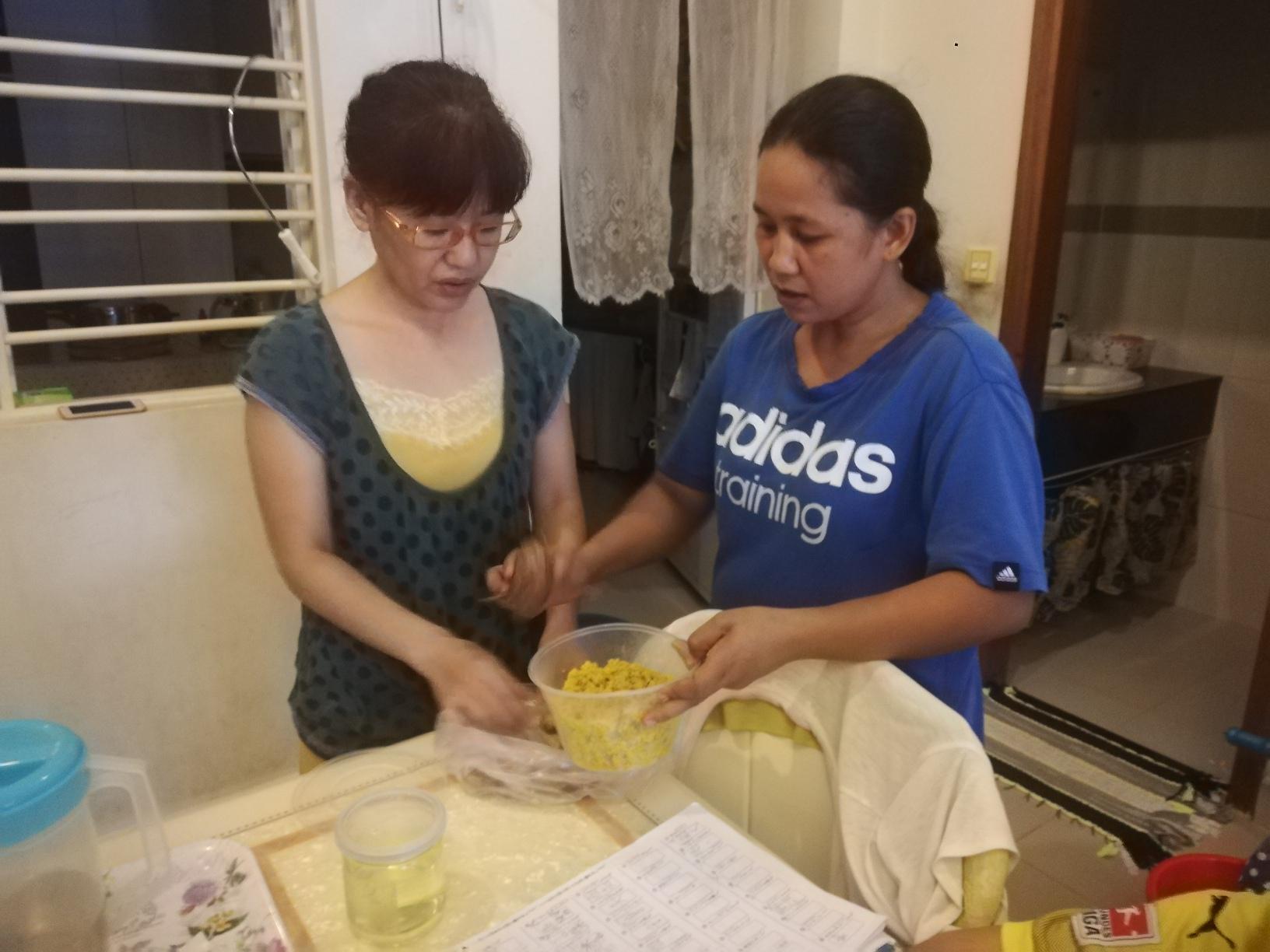 カンボジア伝統薬を作ってくれた友人