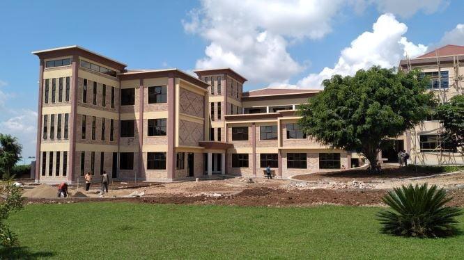 間もなく完成するPIASSの新校舎